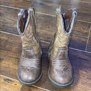 Brown Cherokee cowboy boots - Size 5